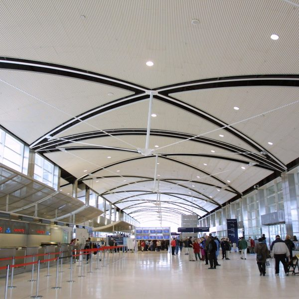 Detroit Metro Airport's new Midfield Terminal is shown on Feb. 16, 2002, in Detroit, MI. (Credit: Bill Pugliano/Getty Images)