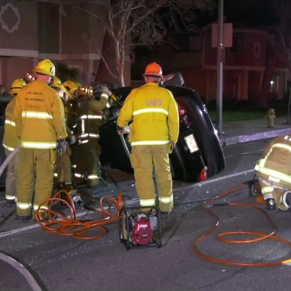 Los Angeles Fire Department crews respond to a crash in Granada Hills on Jan. 18, 2020. (Credit: Loudlabs)