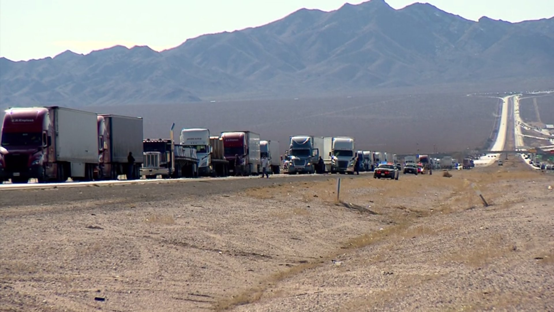 Traffic backed up for some 8 miles on the northbound 15 Freeway at the Nevada state line after a police shooting on Jan. 8, 2019. (Credit: KLAS)