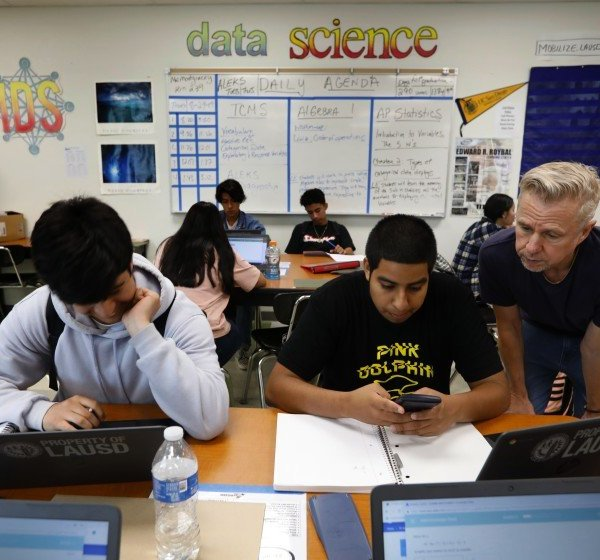 L.A. Unified students are seen in a math class at Roybal Learning Center in Echo Park this undated photo. (Carolyn Cole / Los Angeles Times)