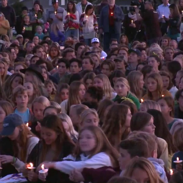 Friends packed Mariners Park in Newport Beach to hold a vigil in honor of helicopter crash victim Alyssa Altobelli on Jan. 30, 2020. (Credit: KTLA)