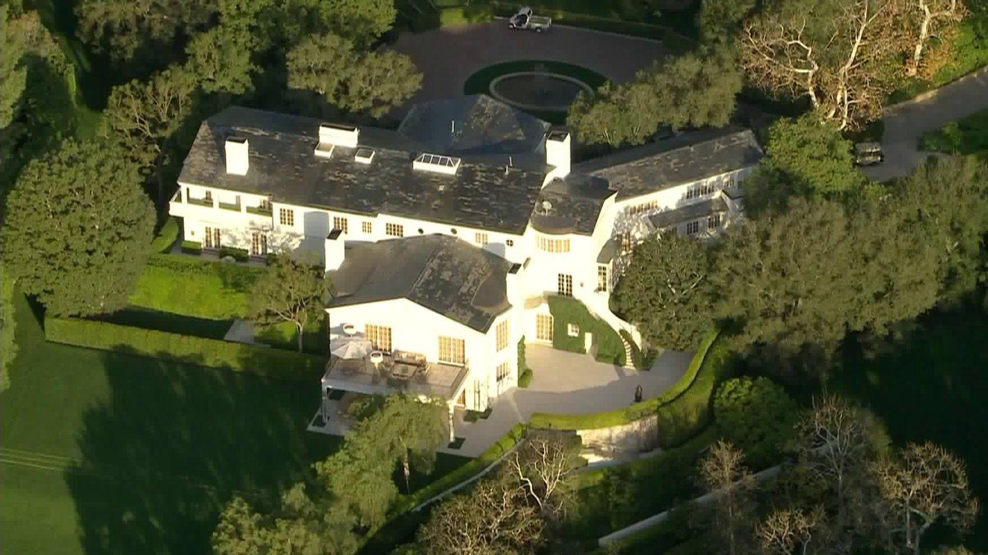 The main home on the property Jeff Bezos acquired from media mogul David Geffen for a record $165 million is seen on Feb. 13, 2020. (Credit: KTLA)