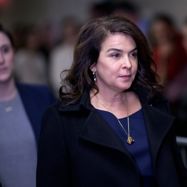 Actress Annabella Sciorra arrives in Manhattan Criminal Court, on January 23, 2020 in New York City. (Credit: JOHANNES EISELE/AFP via Getty Images)