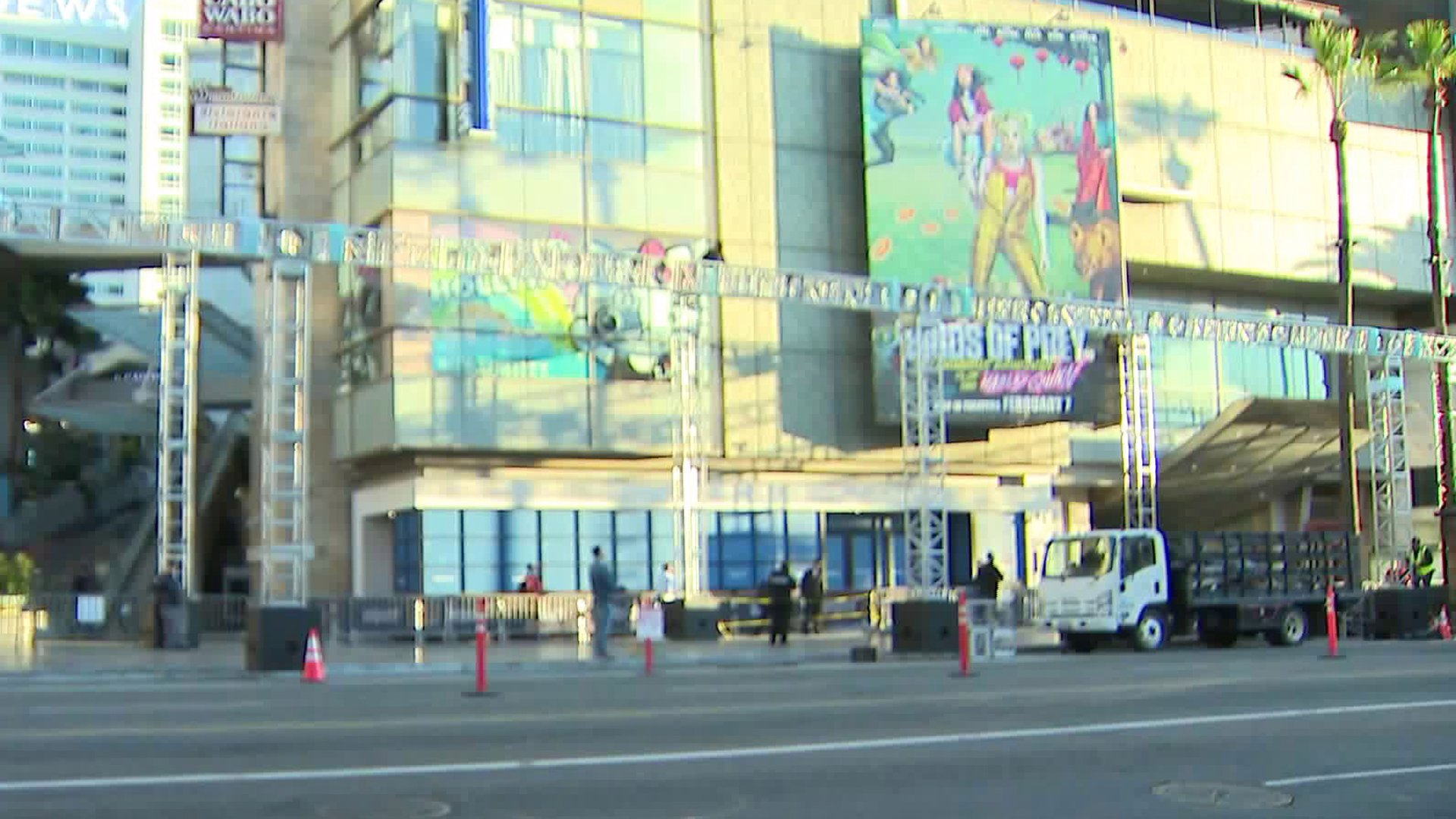 A man remains on a scaffolding outside the Dolby Theatre in Hollywood on Feb. 1, 2020. (Credit: KTLA)