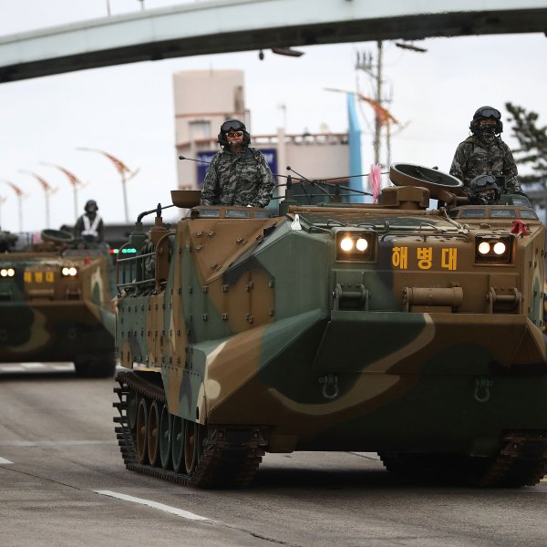 South Korean Marines take part in a military exercise on April 5, 2018 in Pohang, South Korea. (Chung Sung-Jun/Getty Images)