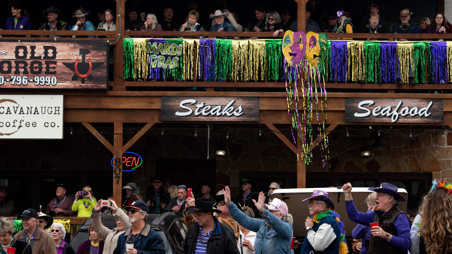 2nd Person Killed by Mardi Gras Float in New Orleans | KTLA