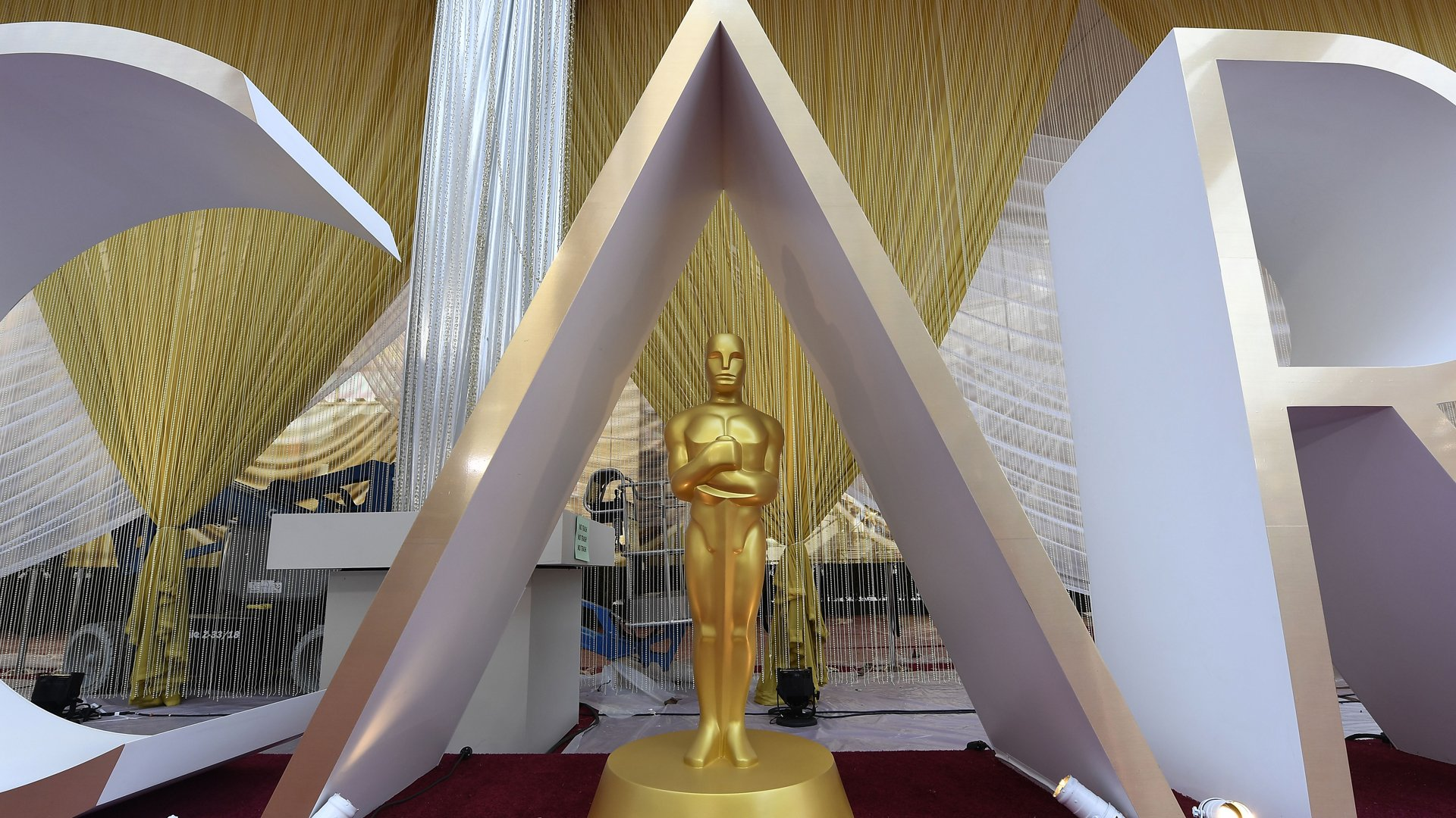 Preparations continue for the 92nd Annual Academy Awards on February 8, 2020 in Los Angeles, California. (Credit: Kevork Djansezian/Getty Images)
