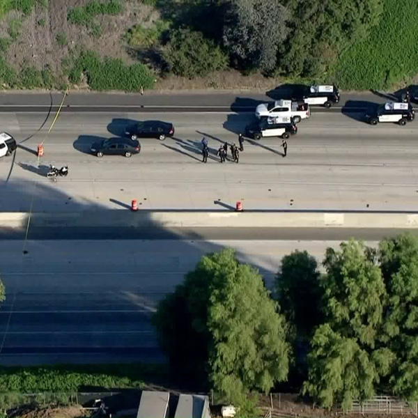 Police activity prompted the full closure of the 60 Freeway in Chino on March 4, 2020. (KTLA)