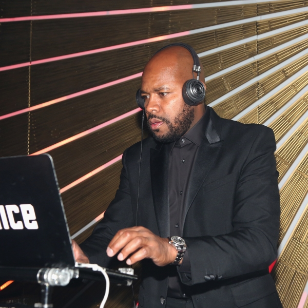 DJ D-Nice spins at an event in Los Angeles on Sept. 17, 2018. ( Maury Phillips/Getty Images for Samsung )