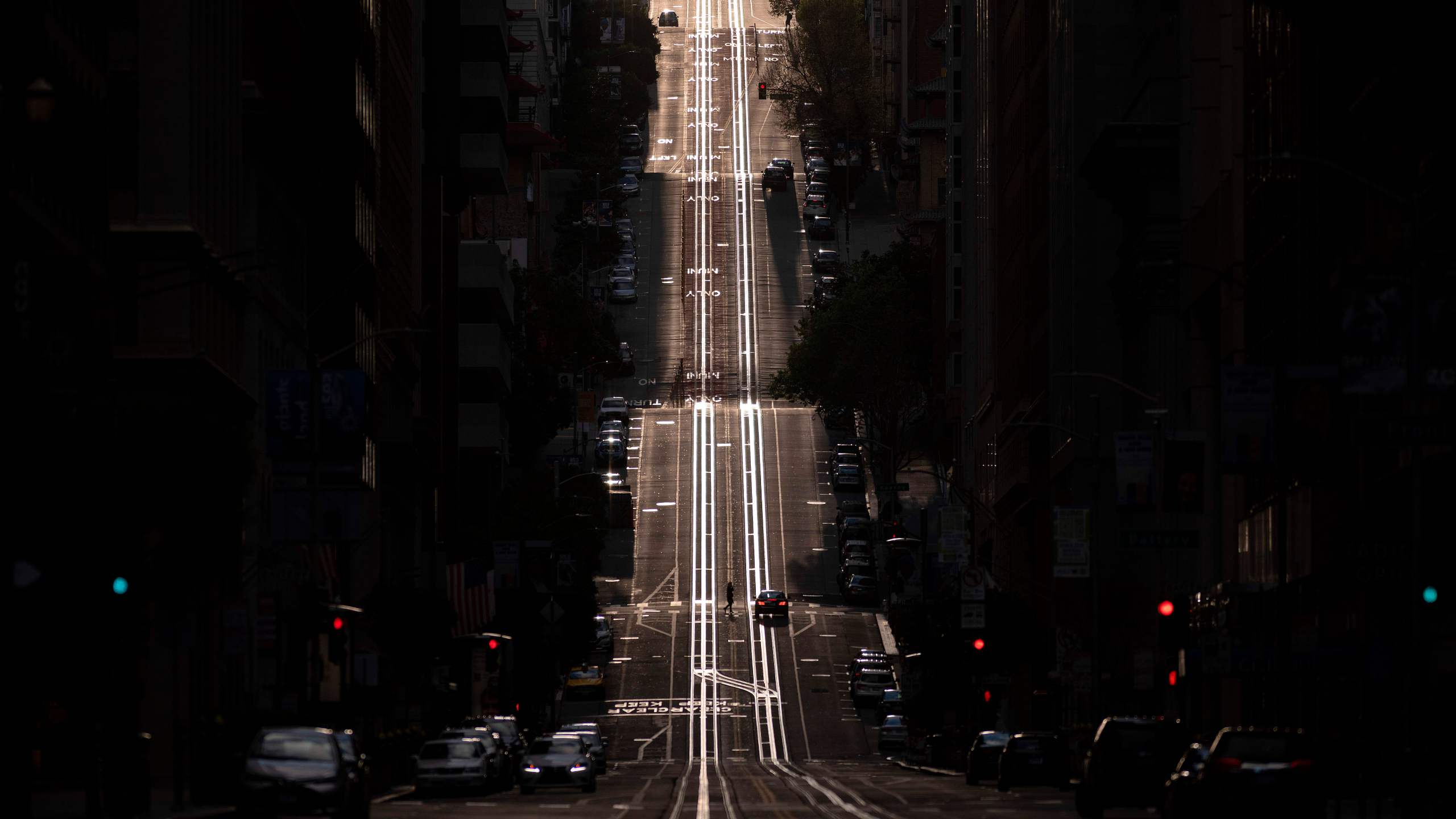 A street usually filled with cable cars is seen empty in San Francisco on March 18, 2020. (Josh Edelson/AFP via Getty Images)