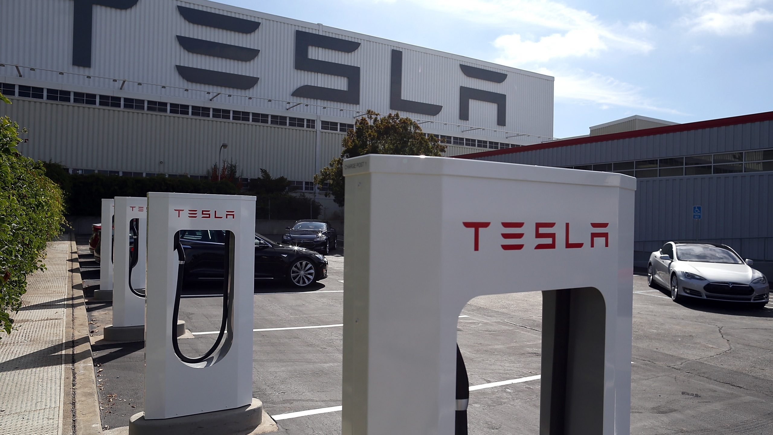 The Tesla Factory is seen on Aug. 16, 2013 in Fremont, California. (Justin Sullivan/Getty Images)