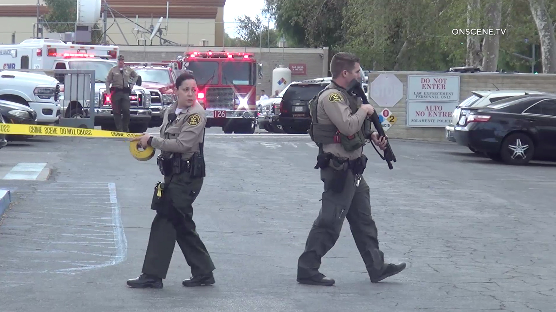 Deputies work at the scene of a deputy-involved shooting in the parking lot of the Los Angeles County Sheriff's Department's Santa Clarita Valley Station on March 1, 2020. (Credit: OnScene)