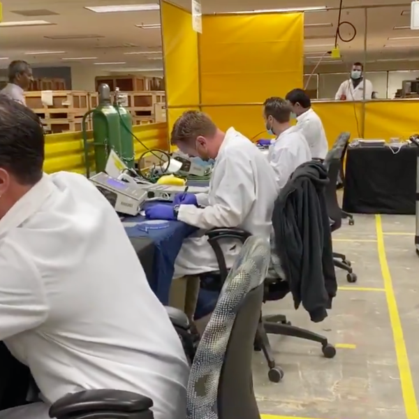 Gov. Gavin Newsom visits Bloom Energy facility in Sunnyvale where workers are refurbishing ventilators for coronavirus patients on March 28, 2020. (@CAgovernor/ Twitter)