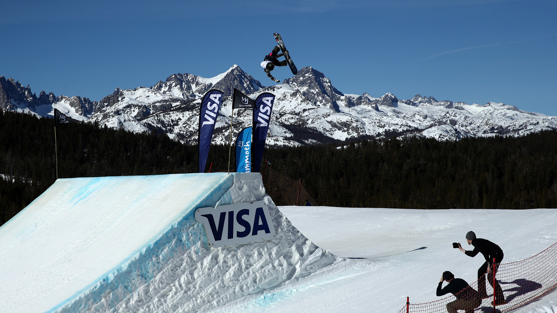 Jamie Anderson of the United States goes over a jump during the Women's Snowboard Slopestyle Finals at the 2020 U.S. Grand Prix at Mammoth Mountain on February 01, 2020 in Mammoth, California. Anderson won the event. (Ezra Shaw/Getty Images)