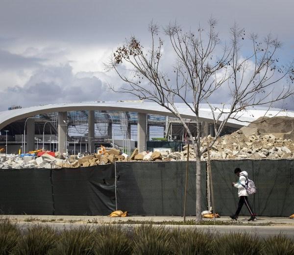 SoFi Stadium in Inglewood is under construction in this undated photo. (Allen J. Schaben/Los Angeles Times)