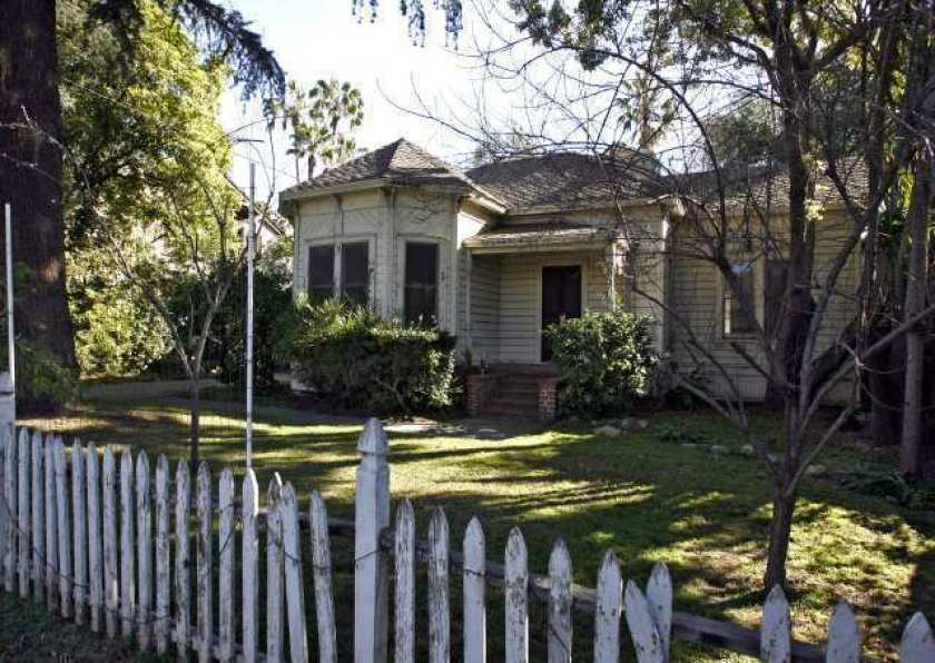Caltrans bought homes such as this one in Pasadena from the 1950s to the 1970s to make way for the now-aborted 710 Freeway extension into Pasadena. (Raul Roa / Los Angeles Times)