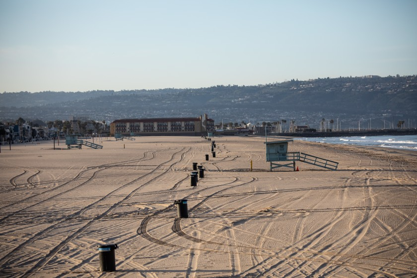 The Strand walking path and the beach at Hermosa Beach, shown in this undated photo, are closed to slow the spread of the coronavirus. (Jay L. Clendenin / Los Angeles Times)