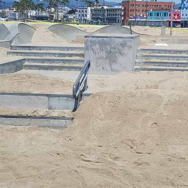 The Venice Skate Park is seen covered in sand to encourage social distancing on April 17, 2020. (Credit: KTLA)