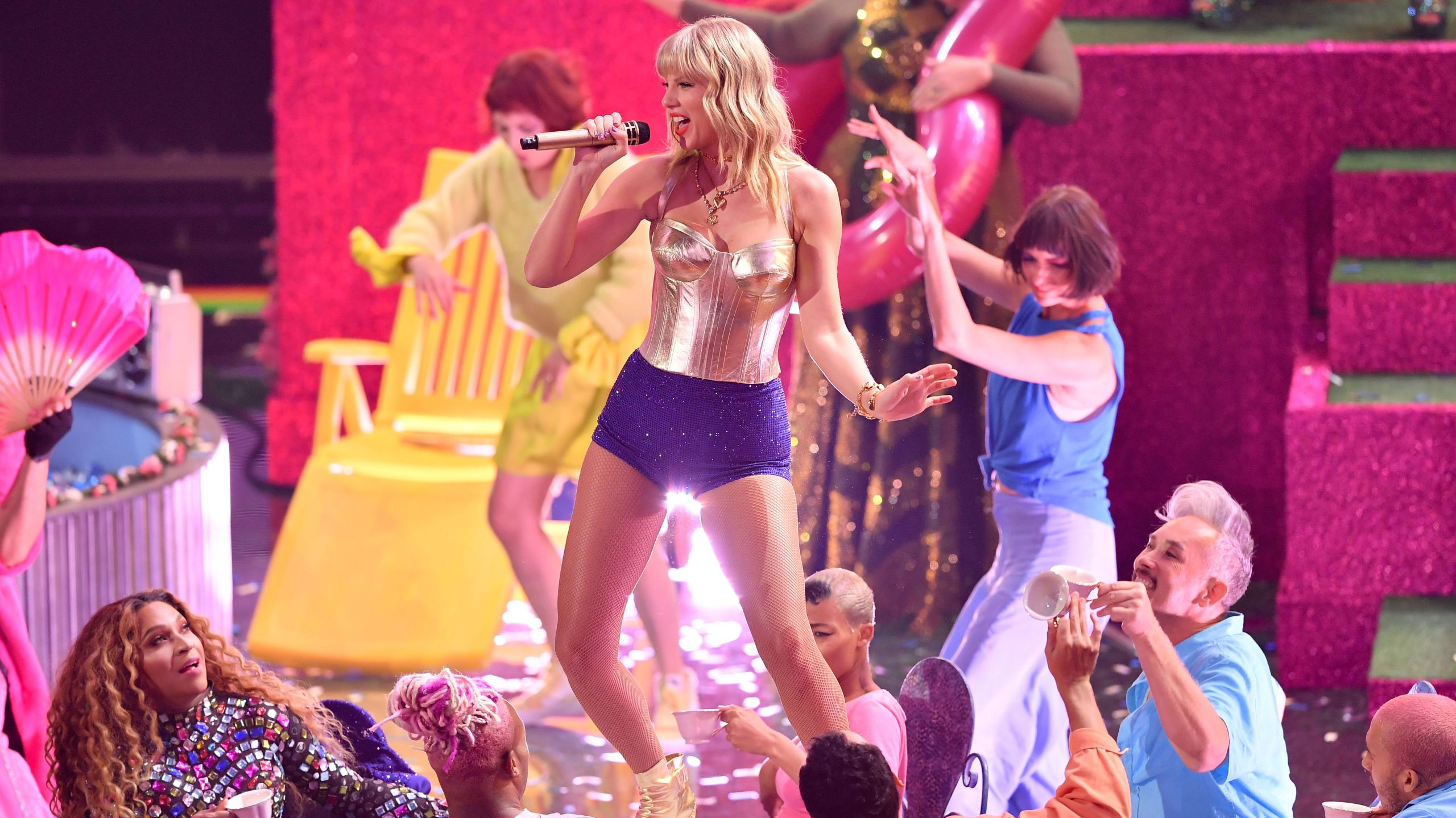 Taylor Swift performs on stage during 2019 MTV Video Music Awards at the Prudential Center in Newark, New Jersey, on August 26, 2019. (Angela Weiss/AFP via Getty Images)