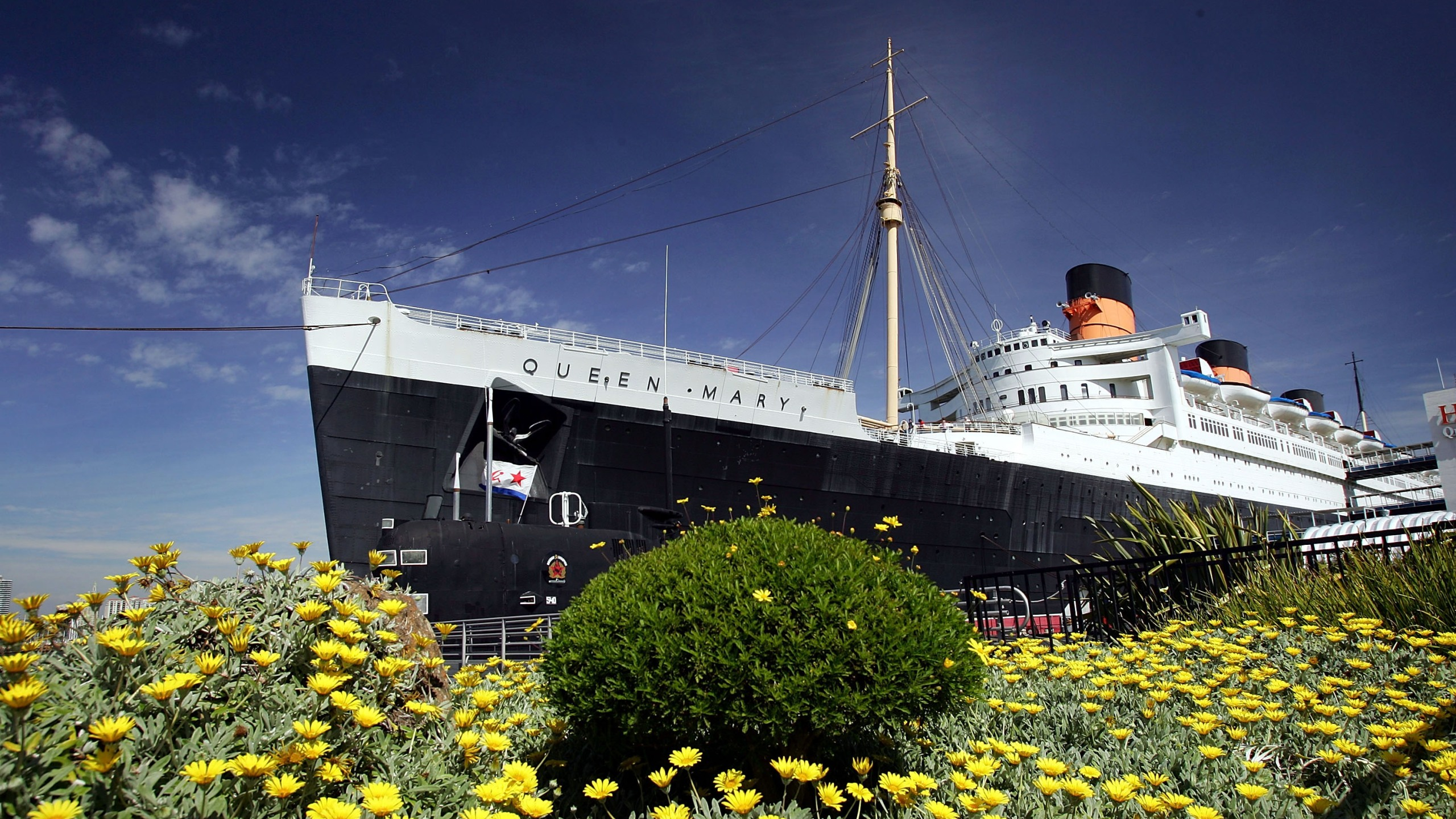 The Queen Mary, a historic ocean liner that was docked and turned into a tourist attraction 37 years ago, is seen where it still serves as a hotel and exhibit on March 21, 2005, in Long Beach, California. (David McNew/Getty Images)