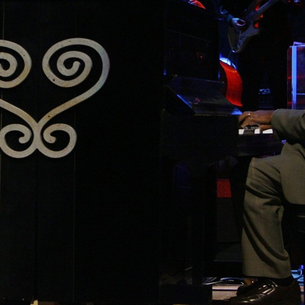 Musician Ellis Marsalis performs at the 57th NBA All-Star Game, part of 2008 NBA All-Star Weekend at the New Orleans Arena on February 17, 2008 in New Orleans, Louisiana. (Bryan Bedder/Getty Images)