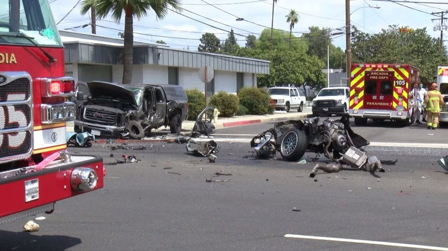 Authorities investigate the scene of a violent crash along Myrtle Avenue in Monrovia on April 4, 2020. (RMG News)