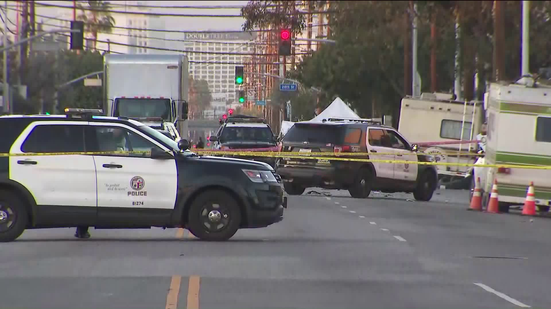 Officials investigate the scene of a shooting involving Los Angeles Police Department officers in Los Angeles' Historic South-Central neighborhood on April 22, 2020. (KTLA)