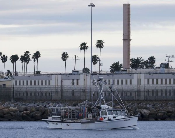 The exterior of the Federal Correctional Institute on Terminal Island is seen on Feb. 27, 2019, in the Port of Los Angeles. (Luis Sinco / Los Angeles Times)