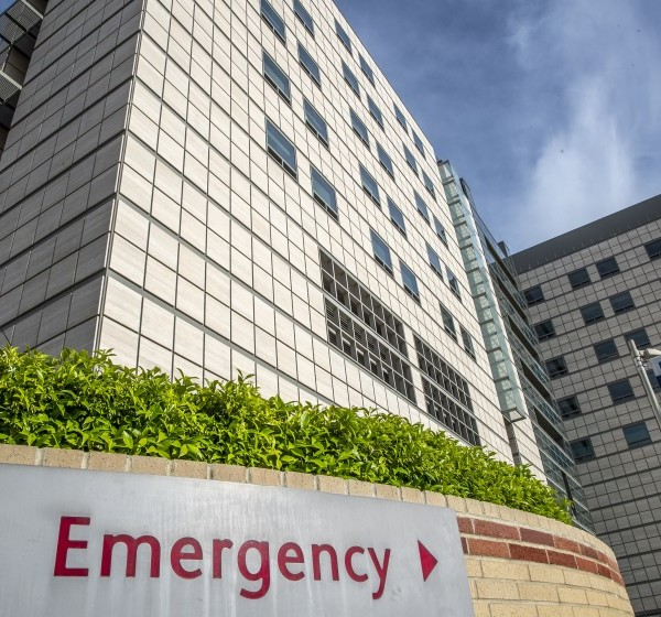Emergency room entrance to Ronald Reagan UCLA Medical Center. (Robert Gauthier / Los Angeles Times)