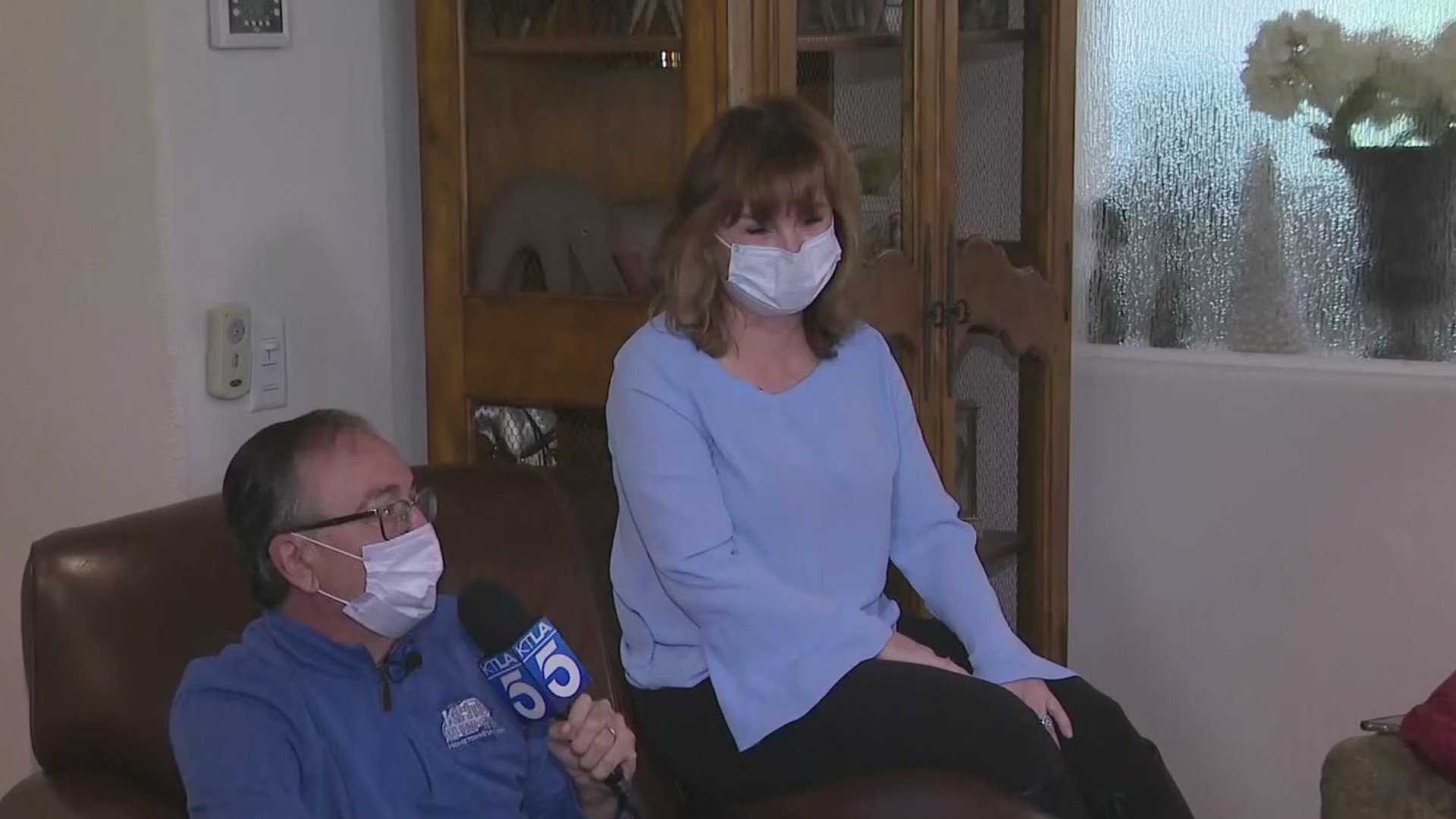 Carl Goldman and Jeri Seratti-Goldman speak to KTLA from their Santa Clarita home on April 13, 2020. (KTLA)
