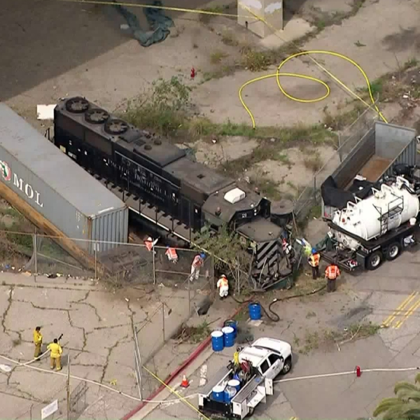 The scene of an allegedly intentional train derailment at the Port of Los Angeles, near where the USNS Mercy is docked, is seen on March 31, 2020. (Credit: KTLA)