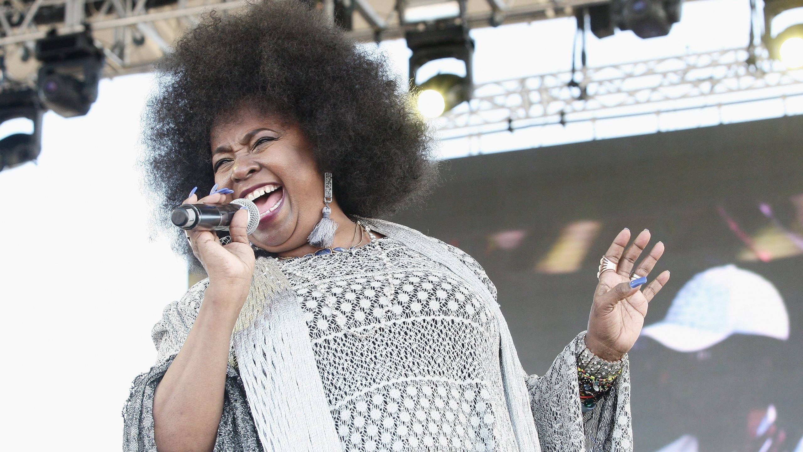 Musician Betty Wright performs on stage at The 12th Annual Jazz In The Gardens Music Festival - Day 1 at Hard Rock Stadium on March 18, 2017 in Miami Gardens, Florida. (Mychal Watts/Getty Images for Jazz in The Gardens Music Festival)