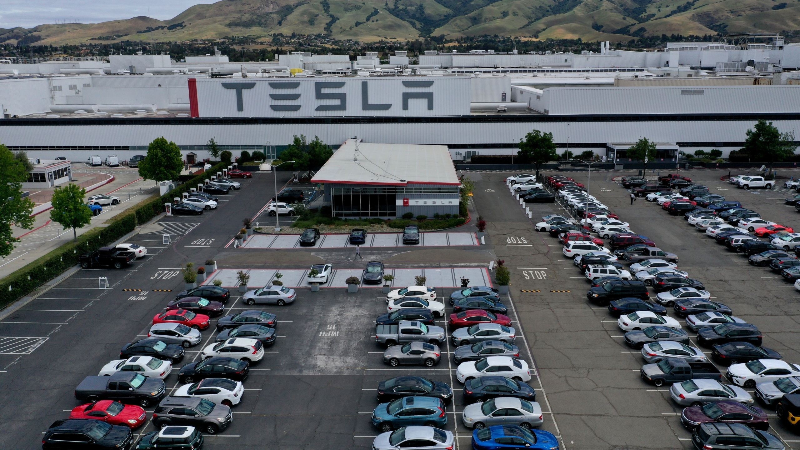 The Tesla factory in Fremont is seen on May 13, 2020. (Justin Sullivan / Getty Images)