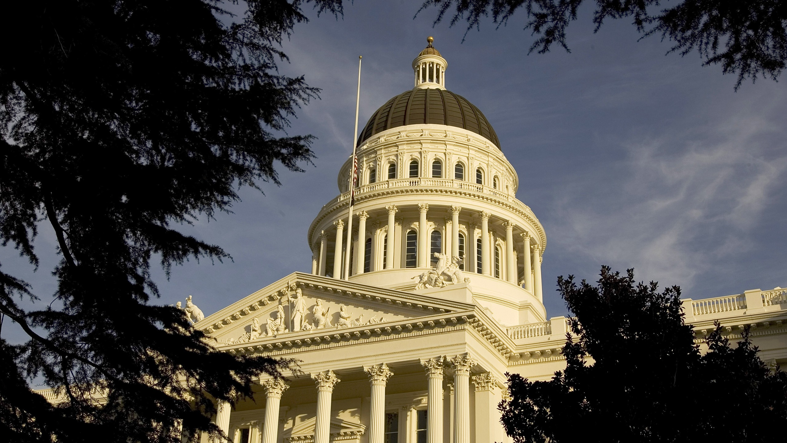A file photo shows the state capitol in Sacramento. (David Paul Morris/Getty Images)