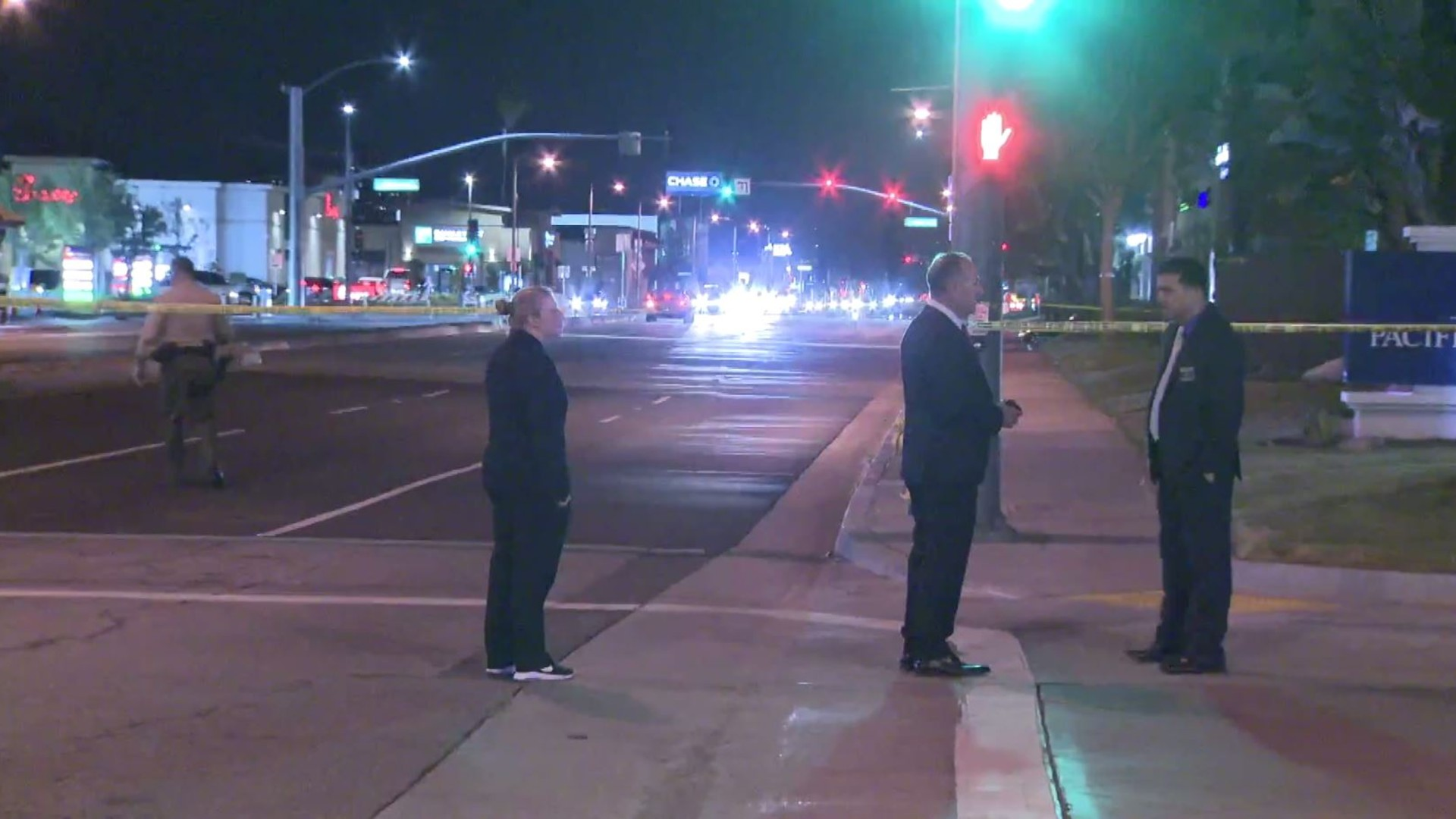 Detectives investigate the fatal shooting of a man at Whittier Boulevard and Acacia Avenue in Pico Rivera on May 2, 2020. (KTLA)