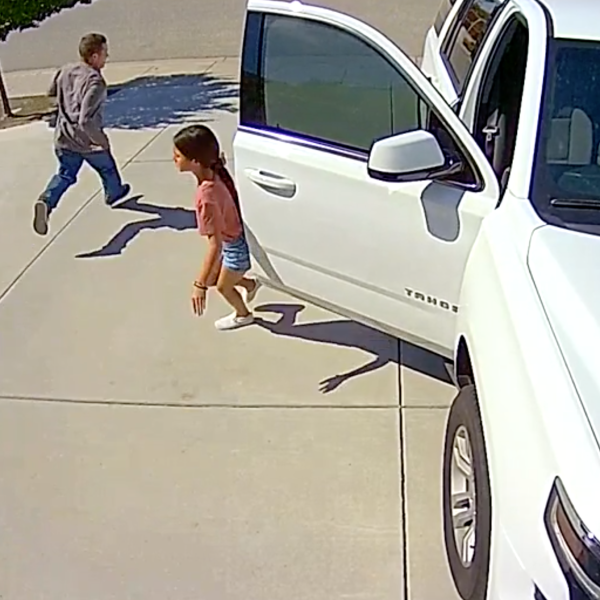 A 10-year-old girl scaring away a man who tried to burglarize her family's Northwest Bakersfield home on May 21, 2020. (KTLA)