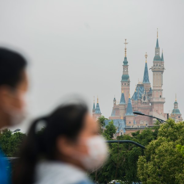 Tourists at Disney town on May 05, 2020 in Shanghai, China. (Hu Chengwei/Getty Images)
