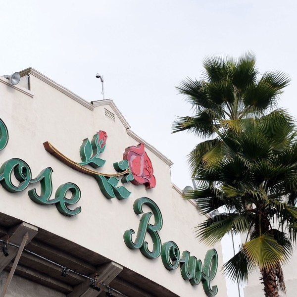 An exterior view of the 96th Rose Bowl game between the Oregon Ducks and the Ohio State Buckeyes on January 1, 2010 in Pasadena, California. (Harry How/Getty Images)