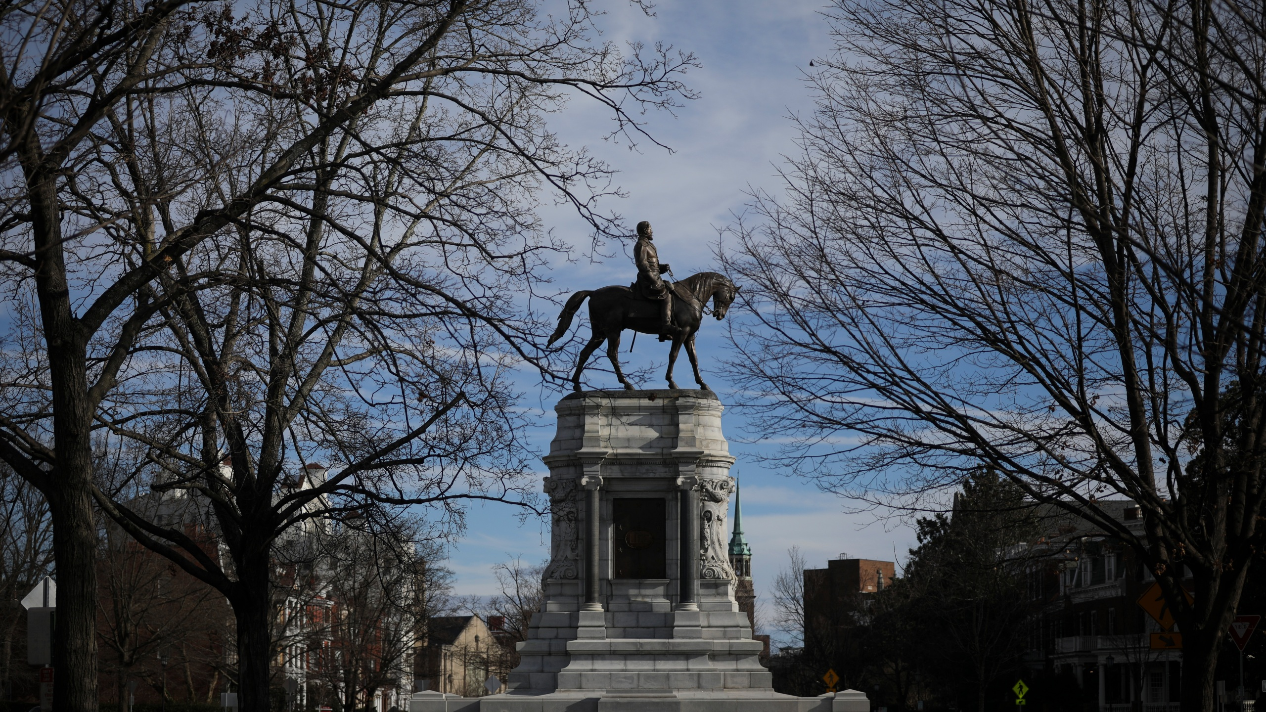 The Robert E. Lee Monument stands on Monument Avenue, February 8, 2019 in Richmond, Virginia. (Drew Angerer/Getty Images)