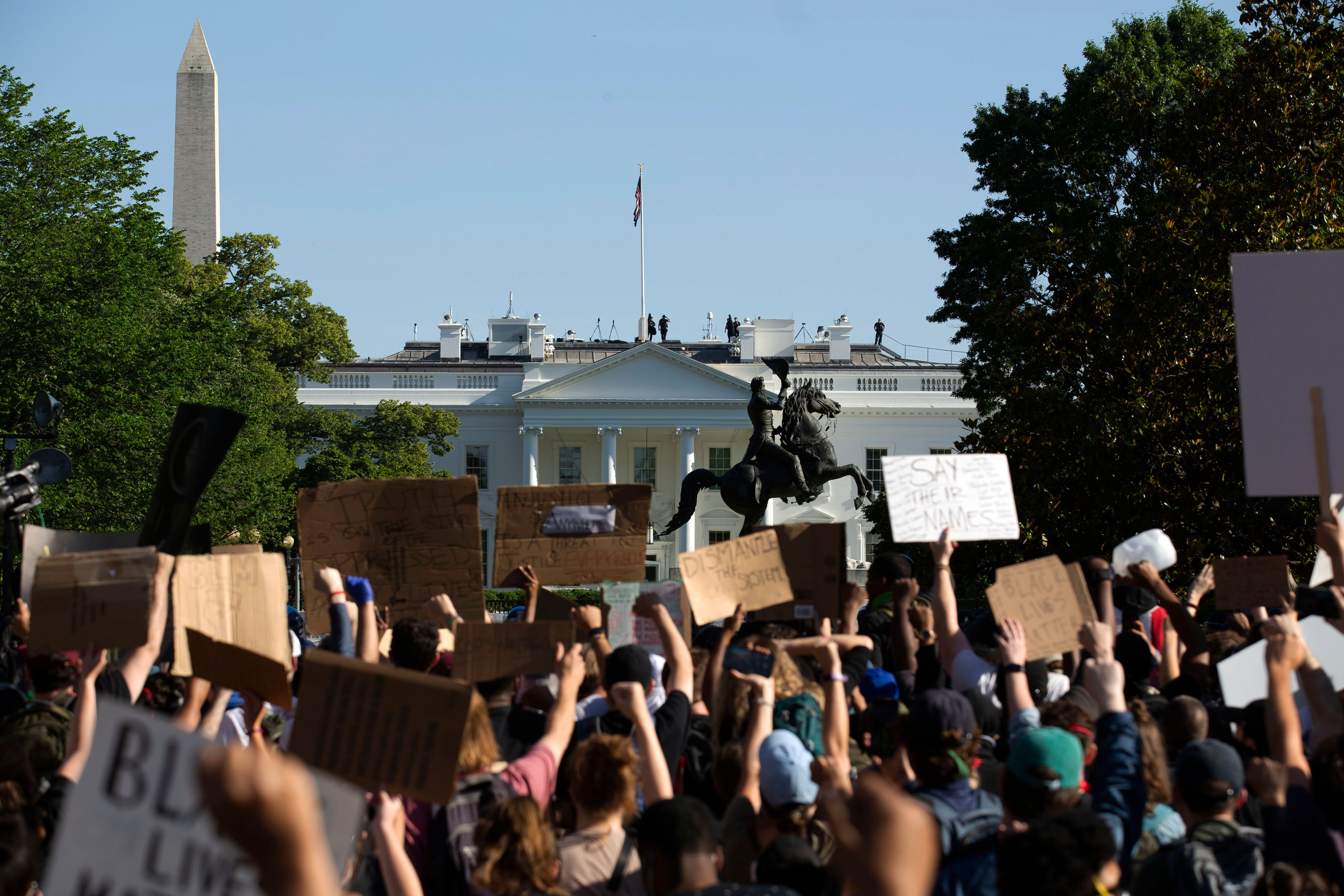 Trump shares letter that calls peaceful protesters outside White