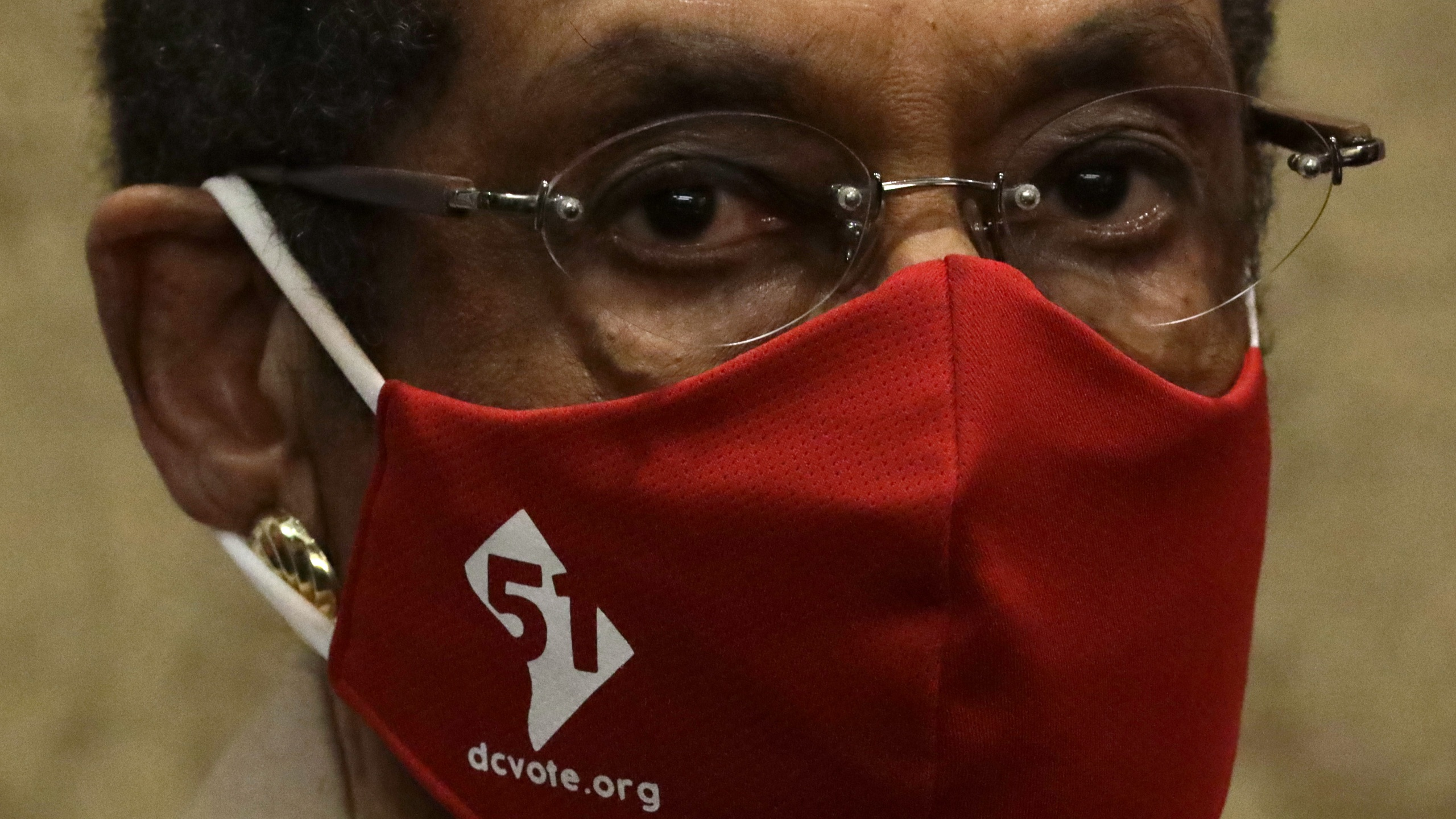 U.S. Rep. Eleanor Holmes Norton (D-DC) wears a DC Vote mask during a news conference on District of Columbia statehood June 25, 2020, on Capitol Hill. (Alex Wong/Getty Images)