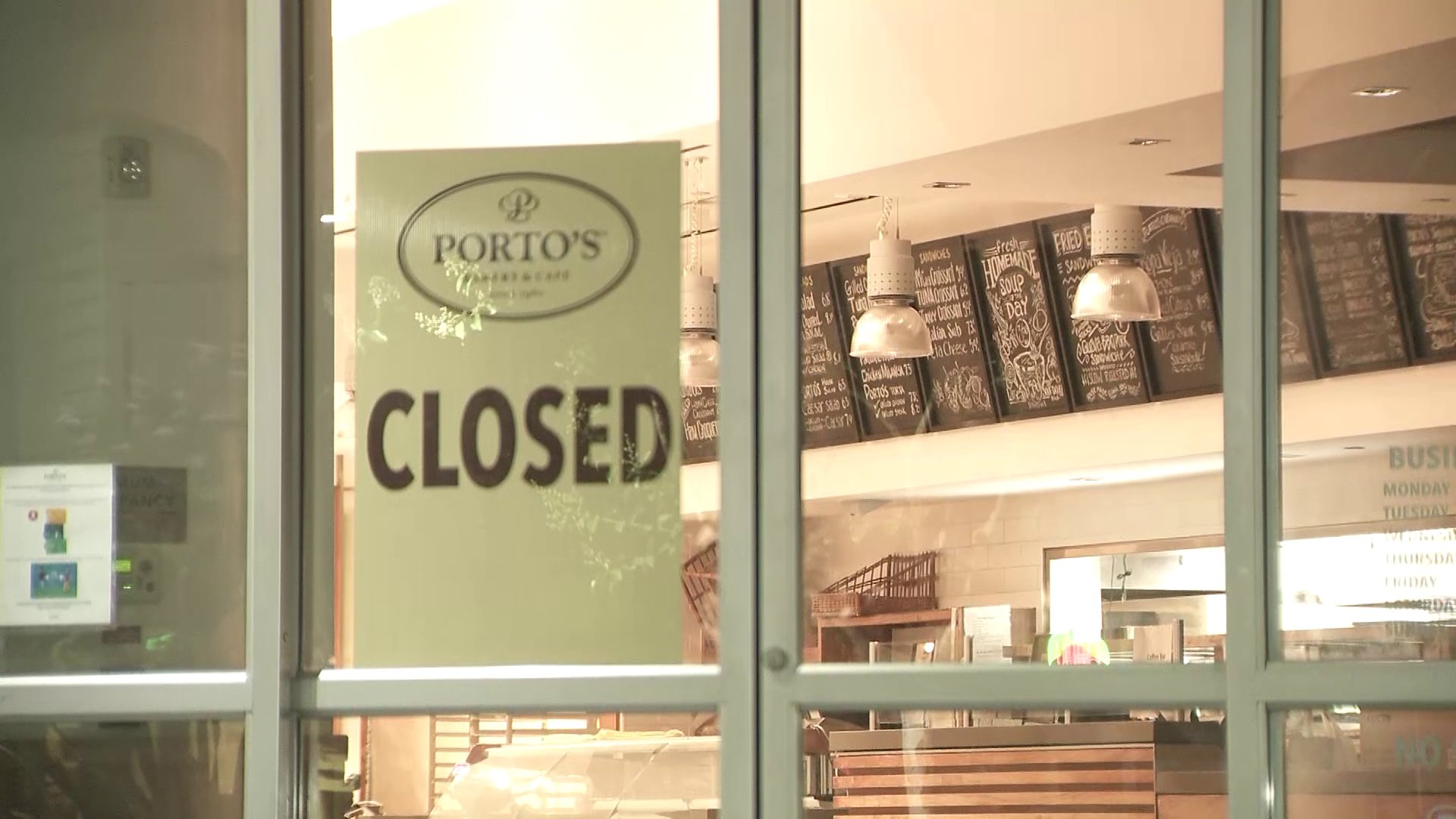 Porto's Bakery in Downey was closed for business on June 26, 2020. (KTLA)