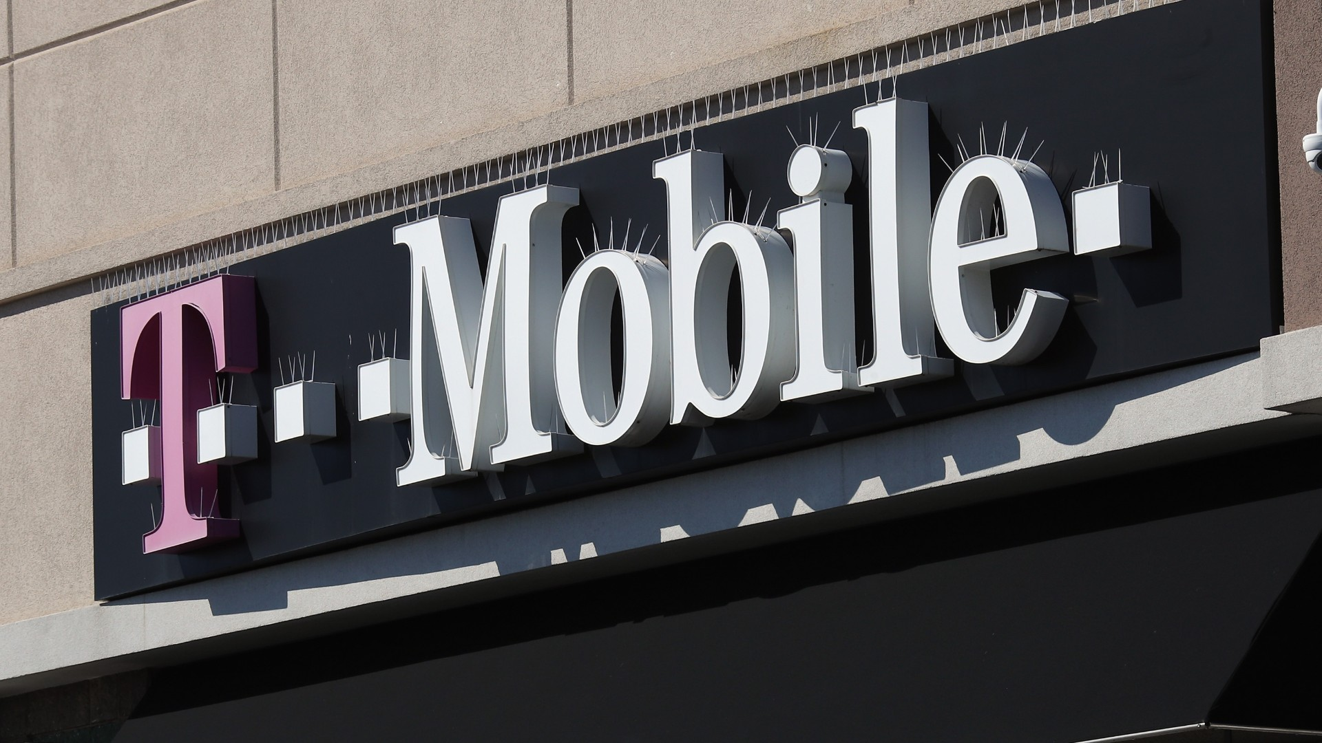A general view of a T-Mobile store on March 26, 2020 in Deer Park, New York. (Bruce Bennett/Getty Images)