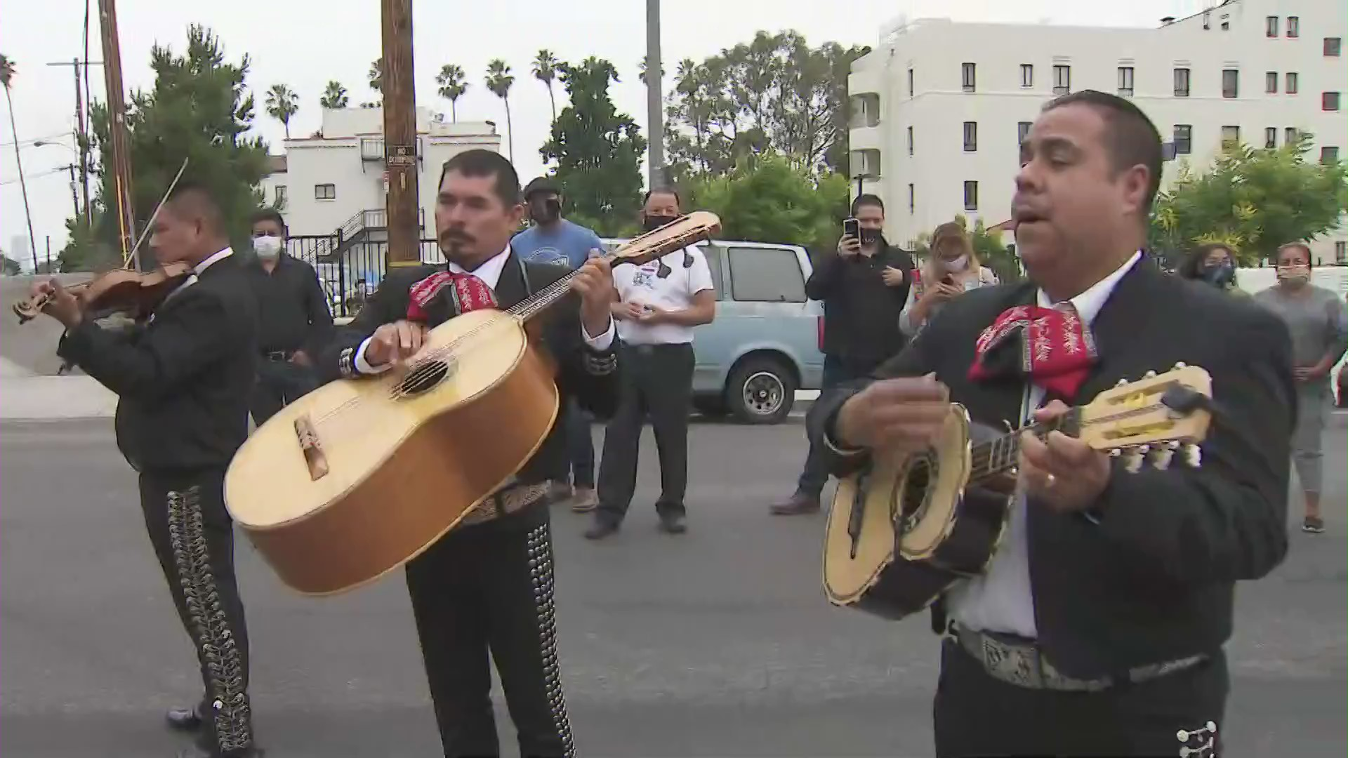A mariachi performs in Boyle Heights on June 21, 2020. (KTLA)