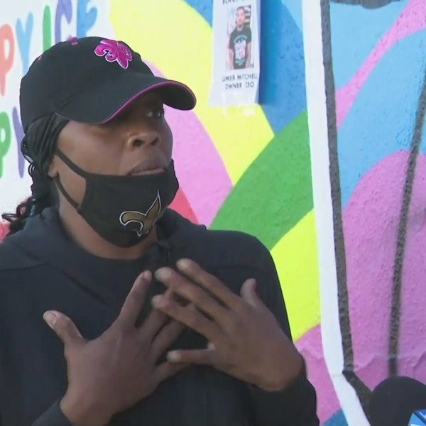Zenda Mitchell Abbott speaks in the Fairfax District on June 1, 2020, as the neighborhood recovered from protests that ended in looting and violence. (KTLA)