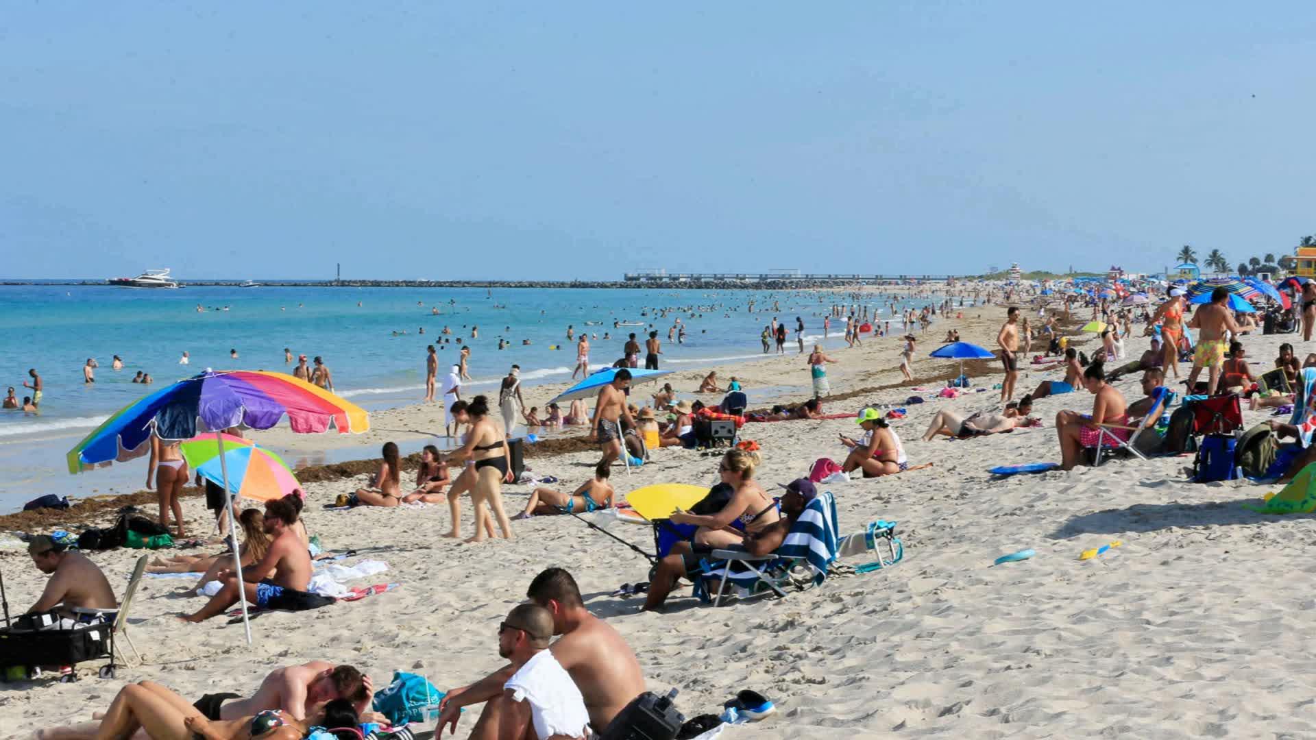 Miami Dade County Closes Beaches. (Getty Images via CNN)