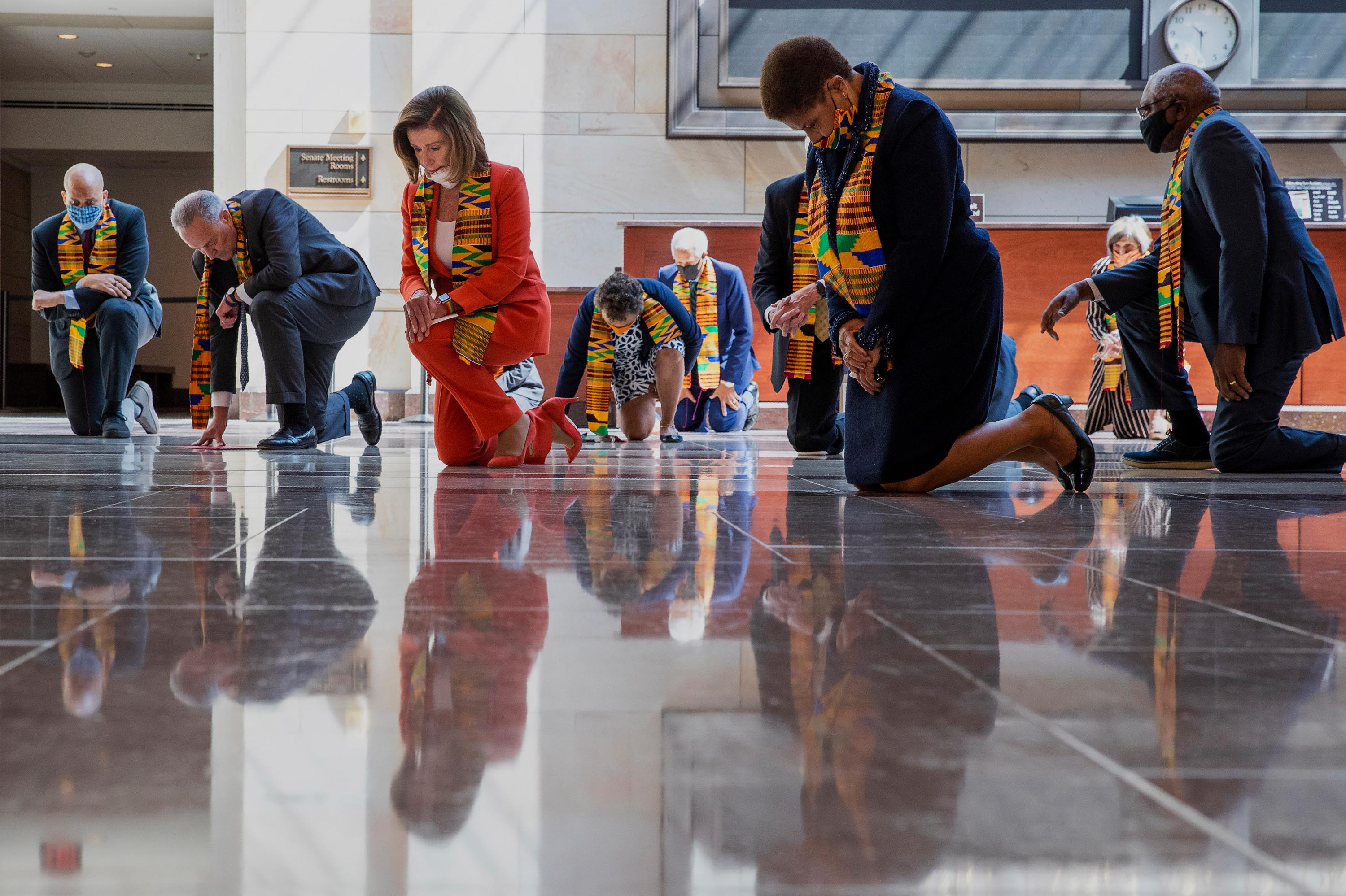 Congressional Democrats criticized for wearing Kente cloth at event  honoring George Floyd | KTLA