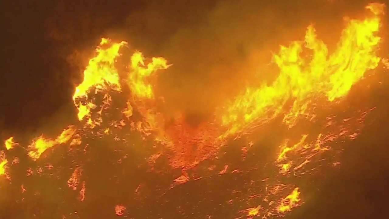 Mandatory evacuations ordered as Apple Fire burns 700 acres near Cherry Valley