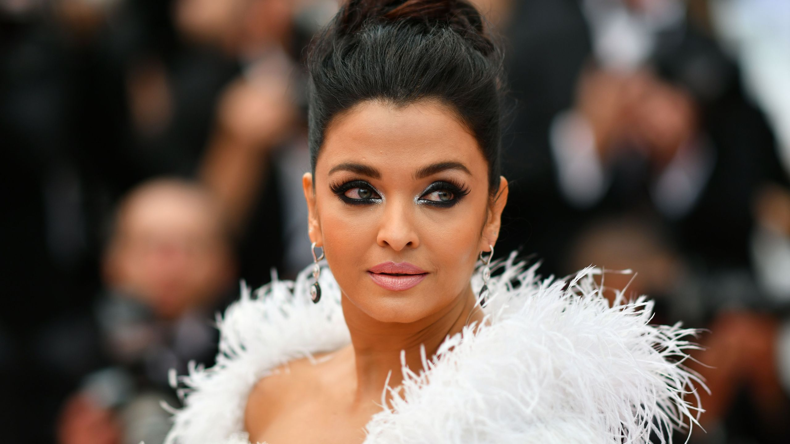 "Actress Aishwarya Rai Bachchan poses as she arrives for the screening of the film ""La Belle Epoque"" at the 72nd edition of the Cannes Film Festival in southern France, on May 20, 2019. (ALBERTO PIZZOLI/AFP via Getty Images)"