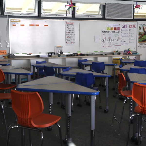 A classroom sits empty at Kent Middle School on April 1, 2020 in Kentfield, California. (Justin Sullivan/Getty Images)